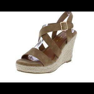 Shoes - Wedge sandal